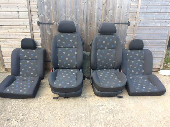 Lupo seats2.JPG